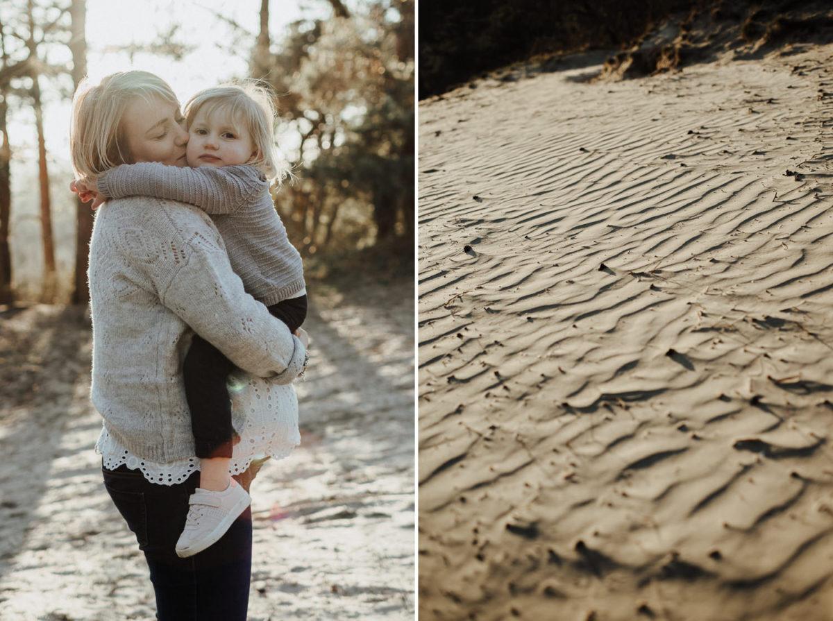 Séance grossesse en famille entre sable et fôret